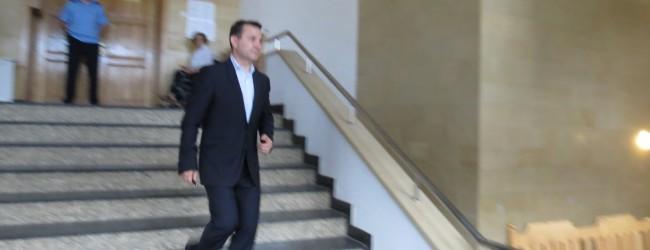 Romeo Stavarache a scăpat de arestul la domiciliu, dar nu are voie să exercite funcția de primar