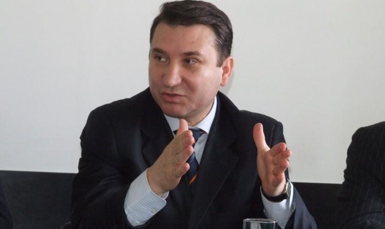 Primarul suspendat Romeo Stavarache rămâne în arest la domiciliu