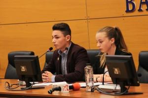 conferinta presa asociatia elevilor bacau 3
